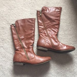Shoes - Faux Leather Brown Boots